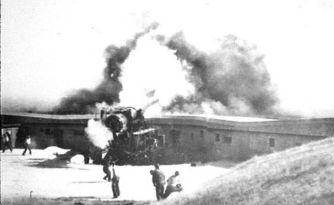 "14"" Gun Firing at Battery Osgood Farley, Fort MacArthur"