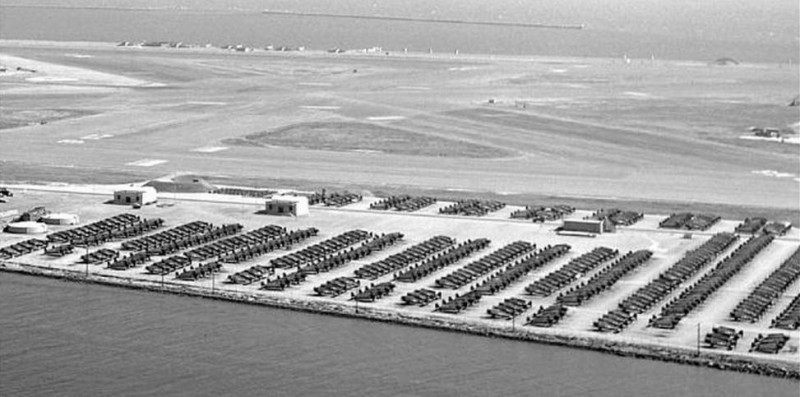 ending 56 years of naval aviation history to the roar of a 21 gun salute the venerable facilities were turned over to the alameda reuse and